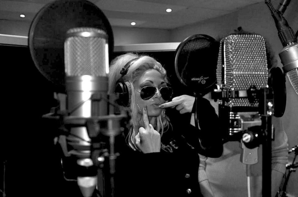 Marika Lejon i studio, Rockefeller
